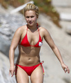 Hayden Malibu Beach 6th June 3 - hayden-panettiere photo