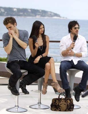 June 8, 2010: Doing an interview outside at the Monte Carlo テレビ Festival