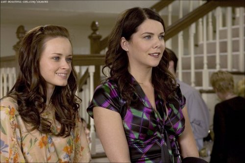 Alexis Bledel and Lauren Graham wallpaper titled Lauren and Alexis