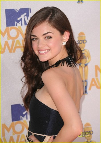 Lucy Hale@the 2010 音乐电视 Movie Awards