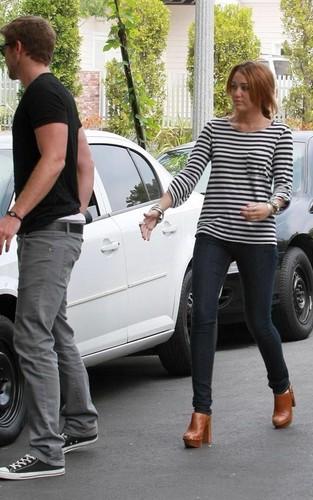 Miley Cyrus and Liam Hemsworth: Toluca Lake Kekasih