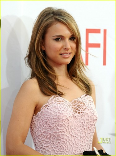 Natalie Portman: Pretty in Pink!