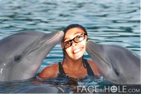 Пэрис Джексон Обои called Paris swimming with the dolphins <3