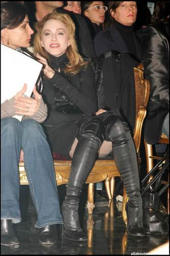 photos Of The Day: Madonna at Jean Paul Gaultier Fashion montrer in Paris