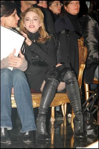 ছবি Of The Day: ম্যাডোনা at Jean Paul Gaultier Fashion প্রদর্শনী in Paris