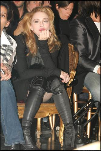 foto's Of The Day: Madonna at Jean Paul Gaultier Fashion toon in Paris