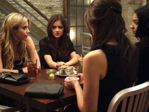 Pretty Little Liars- The Jenna Thing pictures