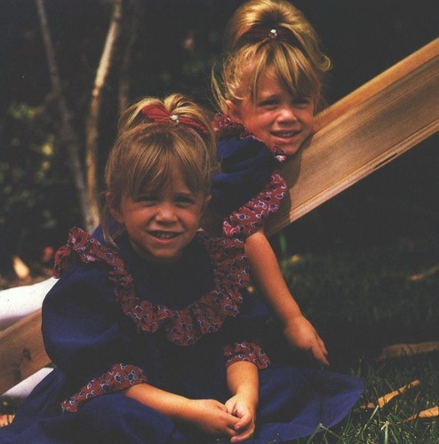 Rare Mary kate and Ashley Pics