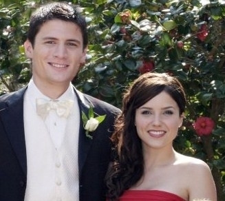 Sophia and James Lafferty - sophia-bush Photo