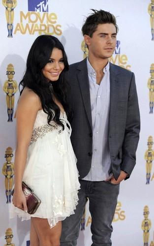 Zac Efron and Vanessa Hudgens at the 2010 MTV Movie Awards (June 6)