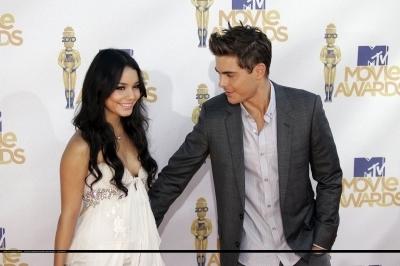 Zac & Vanessa @ 2010 এমটিভি Movie Awards