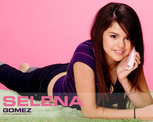Justin Bieber and Selena Gomez wallpaper titled selena gomez