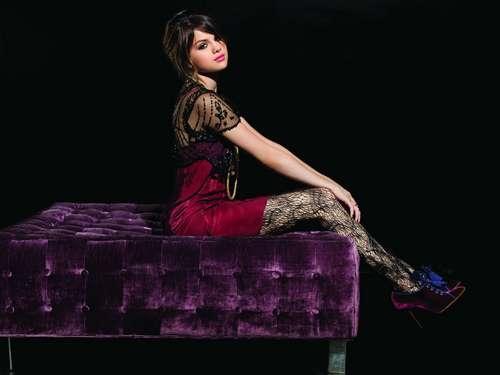 (^(Selena)^)