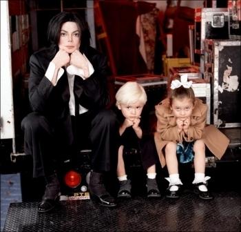 001. Photoshoots > 2001 > Paris, Prince & Michael