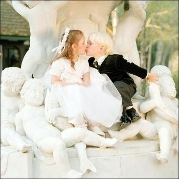 001. Photoshoots > 2001 > Paris & Prince