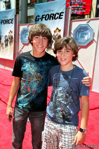 AWWW! Vincent Martella with His Brother Alex