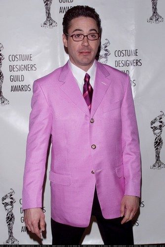 Robert Downey Jr karatasi la kupamba ukuta called Costume Designer Awards