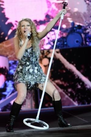 Fearless Tour 2010 Foxboro Ma Taylor Swift Photo 12960072 Fanpop