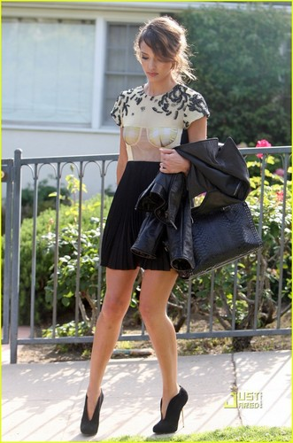 Jessica Alba: Jimmy Kimmel Live on Sunday!