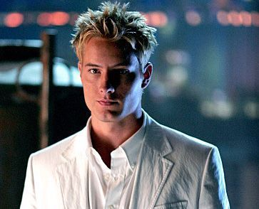 Justin Hartley Hintergrund titled Justin Hartley
