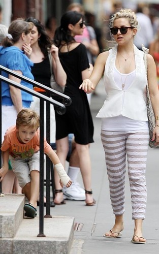 Kate Hudson out and about in NYC (June 5)