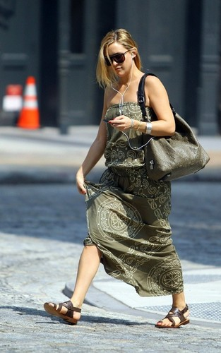 Kate Hudson out in NYC (June 3)