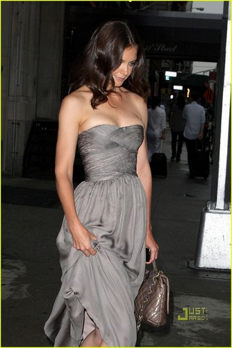 Katie Holmes: Tony Awards with Daniel Radcliffe!