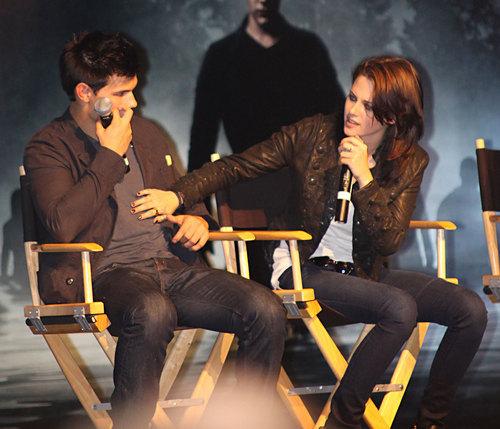 Kristen Stewart & Taylor Lautner Talk 'Eclipse'