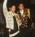 MJ @ Madame Tussauds in 1985 - michael-jackson photo
