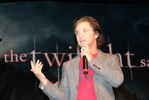 "michael welch wallpaper titled Michael At ""Eclipse"" LA Convention First Day"