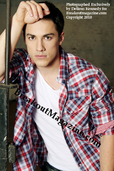http://images2.fanpop.com/image/photos/12900000/Michael-Trevino-Photoshot-the-vampire-diaries-tv-show-12938336-400-600.jpg