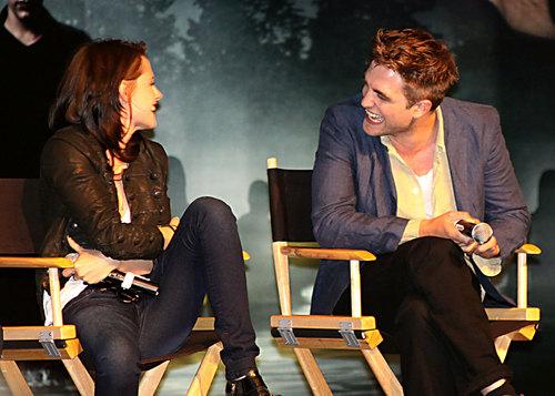 Robert Pattinson, Kristen Stewart Talk 'Eclipse'