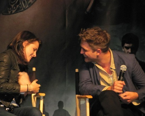 Robert Pattinson at the Twilight convention (June 12)