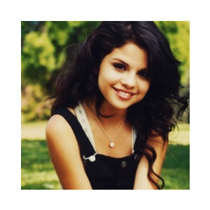 Selena Gomez Cute Pics on Selena Cute    Selena Gomez Photo  12934030    Fanpop Fanclubs