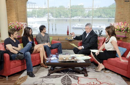 TVD Cast on This Morning show_2010