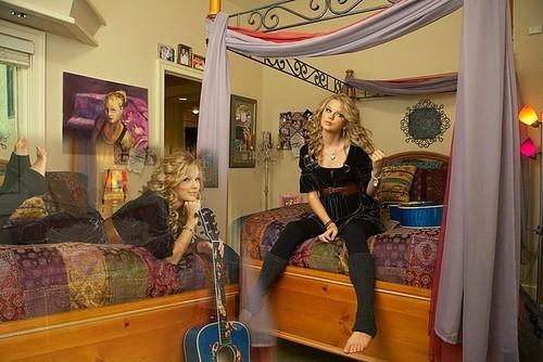 Taylor's bedroom