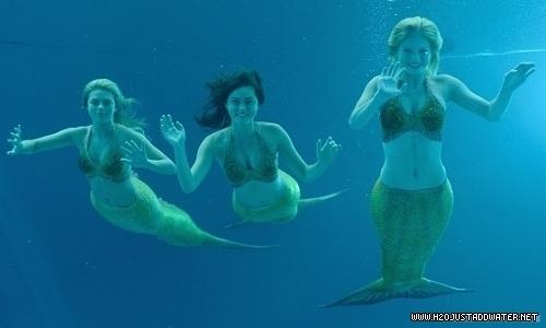 Aqua se presenta Mermaid-girls-3-h2o-just-add-water-12934319-500-300