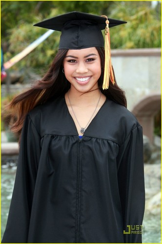 Ashley Argota Graduates — IN PICS!
