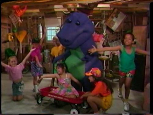 Barney the Purple Dinosaur wallpaper entitled Barney and the Backyard Gang