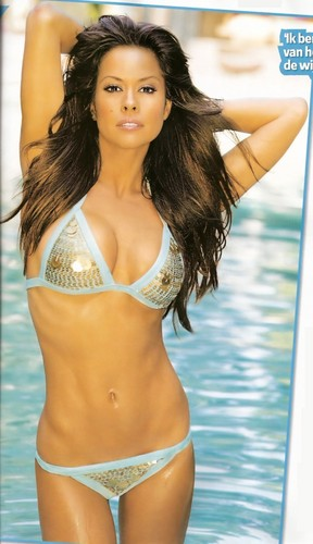 hot women wallpaper titled Brooke Burke