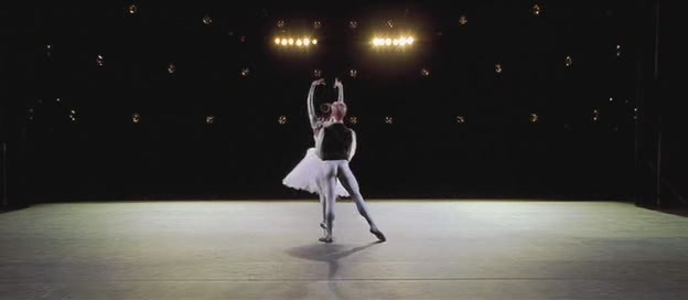 Center Stage - Zoe Saldana Image (13020677) - Fanpop