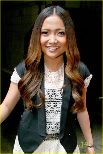 Charice Pempengco wolpeyper called Charice: 'In This Song' on Regis & Kelly!