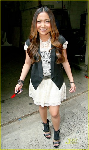 Charice Pempengco wolpeyper entitled Charice: 'In This Song' on Regis & Kelly!
