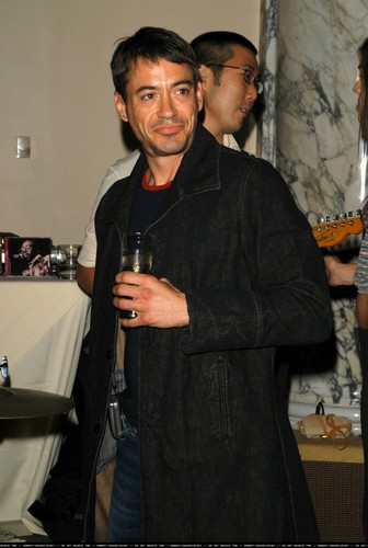 Flaunt Magazine's 4th Anniversary - Party 9th December 2002