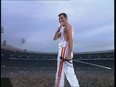 queen fondo de pantalla titled Live At Wembley 1986