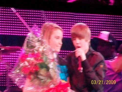 Me and Justin in a Rodeo Houston 音乐会