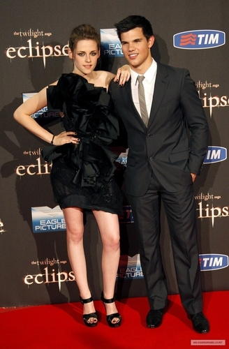 """और Kristen [and Taylor] @ """"Eclipse"""" Rome प्रशंसक Event"""