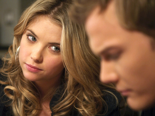 Pretty Little Liars ~ The Jenna Thing