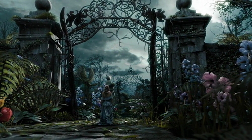 Alice au Pays des Merveilles (2010) fond d'écran titled Screenca from the Film Alice in Wonderland