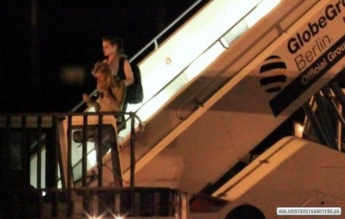 Kristen and Taylor arriving on a private jet at Berlin, Germany - 17-6-10
